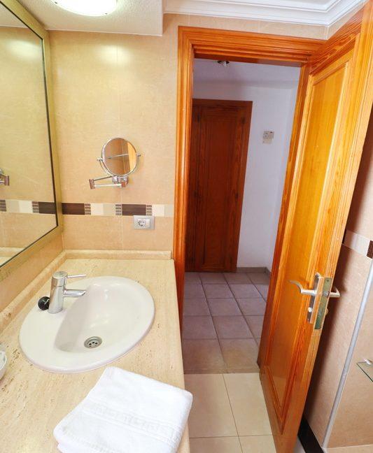 BathroomA-3