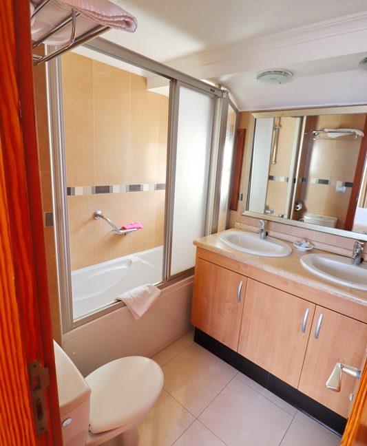 BathroomB-1
