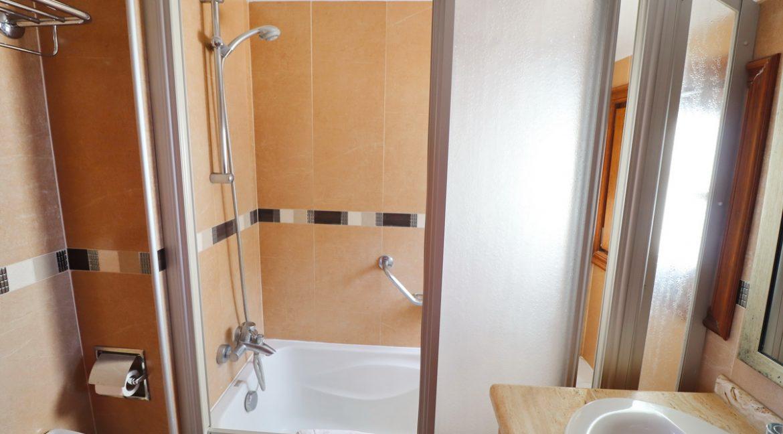 BathroomB-2